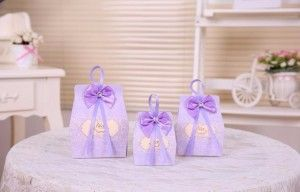 Purple Favour Boxes  #partyfavours #favors #l4l #birthday #party #birthdayparty #kids #princessparty #princess #weddingfavours #wedding #bachelorette #girlsnightout #bridalshower #babyshower