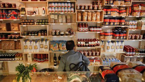 Capri Bazar 83 rue du faubourg saint denis métro:chateau d'eau (4) http://www.kook-catering.com/gout.html Epicerie italienne