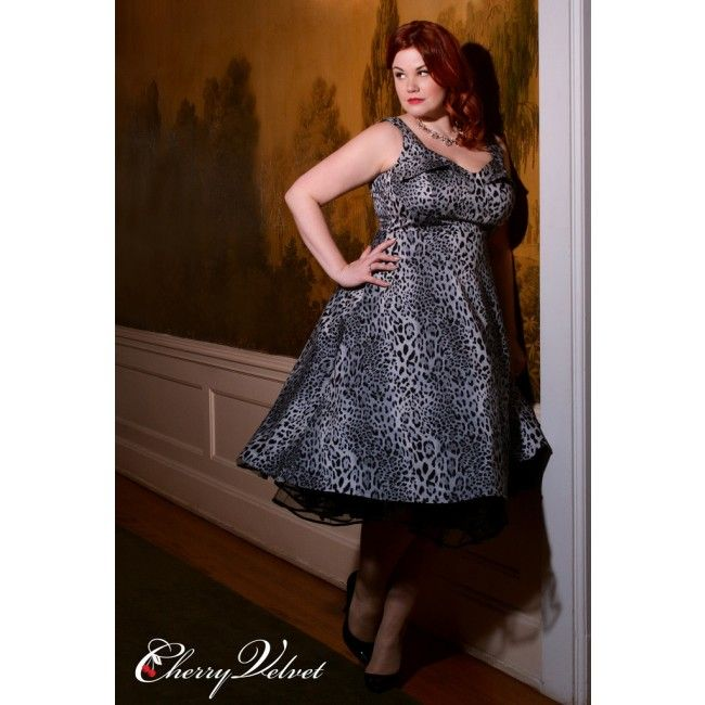 "This classic 50's style known as the ""wing bust"", gives this dress a great retro feel.  The Elly dress features a lavishly full skirt just BEGGING for one of our fluffy crinolines. This sleeveless stunner has our super-popular pockets and swoon worthy style! 50s Fashion, Pin-Up,  Retro, Plus Size"