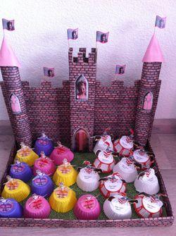kasteel met prinsessen cakejes en ridders van Jenny