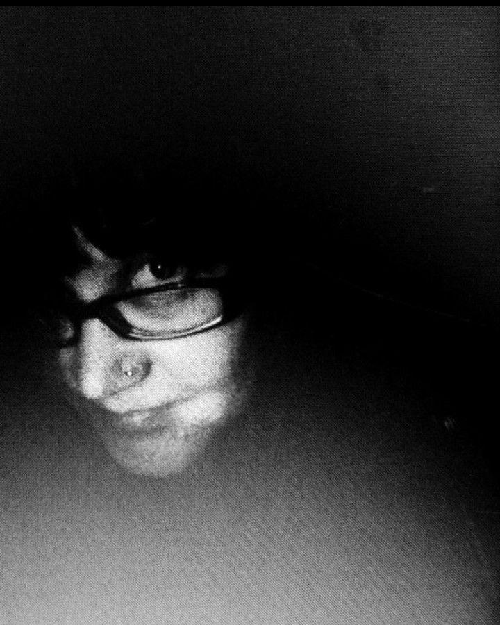 #issuli #blackandwhitephotography #selfportraitsz. #selfportrait. #portrait. 27/8/17 #cabinfever. #cabin #voyage