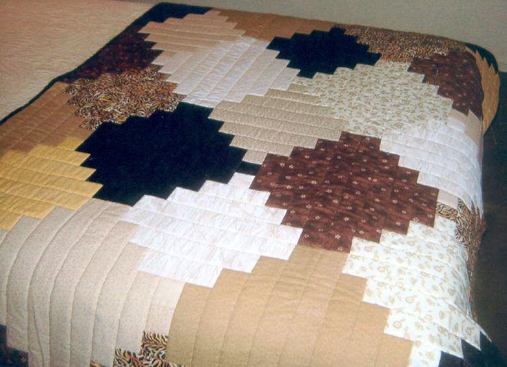 Cubrecamas, pieceras y conjuntos trabajadas en patchworks.