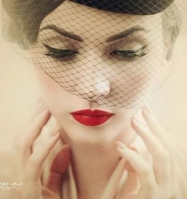 Pin Up Makeup:: Veil:: Vintage Makeup:: red lips Pin Up ...