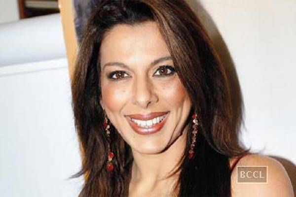 Pooja Bedi lashes out at Parveen Dusanjh