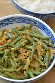 Sambal goreng boontjes, het recept staat op kookblog De Wereldkeuken Thuis.