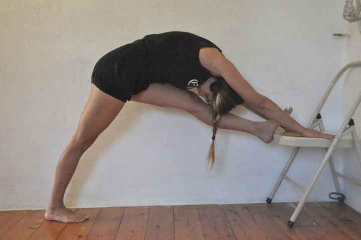 Parsvottanasana iyengar yoga chair standing poses for Chaise yoga iyengar
