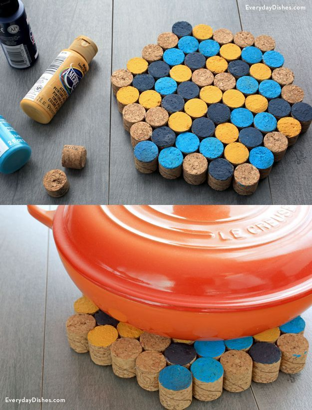 Easy Cooking Crafts: DIY Wine Cork Trivet | Kitchen Wine Cork Crafts by DIY Ready at http://diyready.com/more-wine-cork-crafts-ideas/