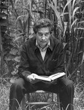 Biografía español. Octavio Paz, poeta y ensayista mexicano. Biblioteca español. Instituto Cervantes