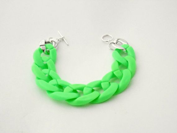 Chunky Neon Green Acrylic Chain Bracelet by LilRedsBoutique, €8.00