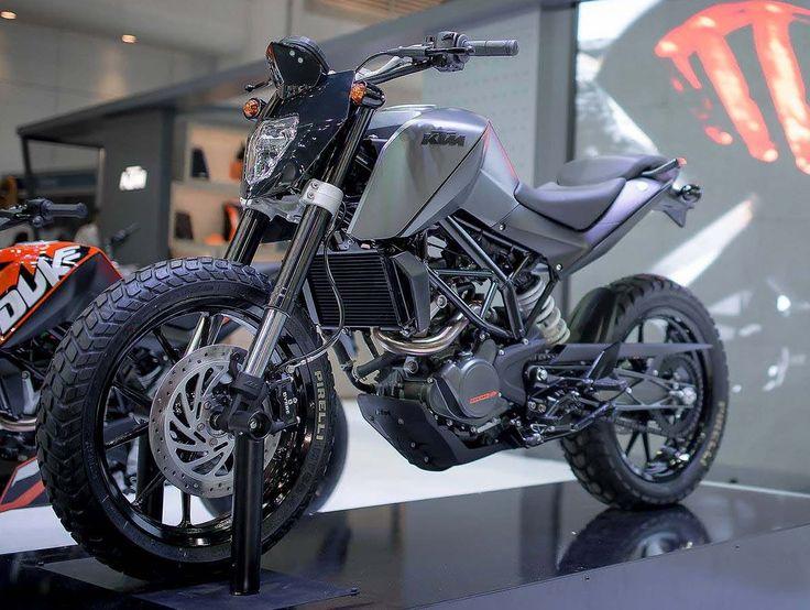 Customised KTM Duke 200 -matte gray