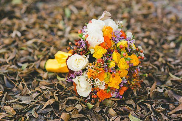 bouquet autunnale giallo, arancione, viola
