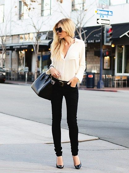 10 Stylish Must-Haves For the Working Woman Over 30 waysify