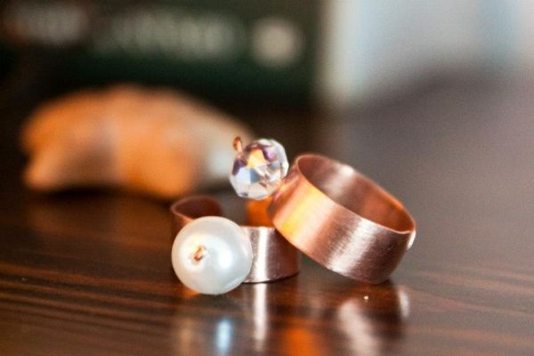Δαχτυλίδια από χαλκό | myartshop Δαχτυλίδια από χαλκό διακοσμημένα με μαργαριτάρι ή swarofski.Η τιμή είναι ανά τεμάχιο.
