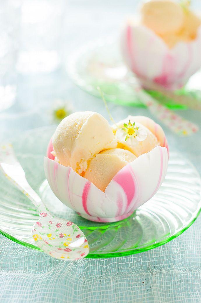 DIY Recipe: Flower Petal White Chocolate Bowls