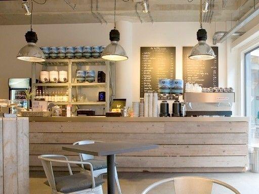 De Koffiezaak heeft een drietal moderne espressobars/koffie/theewinkelsmet uitsluitendduurzaam geproduceerde biologische espressobonen. 100% biologisch gecertificeerd of via exclusieve Direct Trade.Topkwaliteit espressobonen van kleine koffieroasters voor koffie met geweldige smaaknuances voor thuisgebruik en horeca.De Koffiezaak Hermitage 11, Zaandam, is gevestigd in het nieuwe Funshopping/uitgaansgebied van Zaandam, naast het stadhuis en NS-station en tegenover de Primark. Een te gekke…