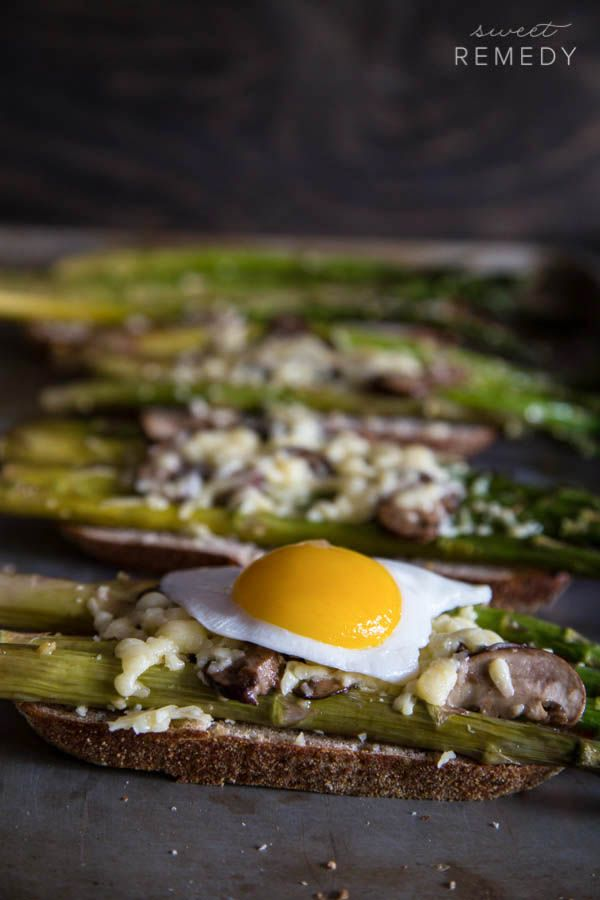 Asparagus and Mushroom Toast {Via @Samantha | Sweet-Remedy.com}
