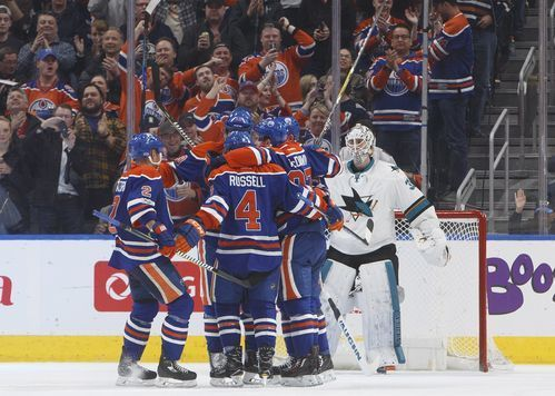 AP                  Published 12:16 a.m. ET March 31, 2017 | Updated 29 minutes ago        The Edmonton Oilers celebrate a goal against San Jose Sharks goalie Martin Jones, right, during the third period of an NHL hockey game Thursday, March 30, 2017, in Edmonton, Alberta. (Jason...  http://usa.swengen.com/maroon-scores-2-streaking-oilers-beat-struggling-sharks-3-2/