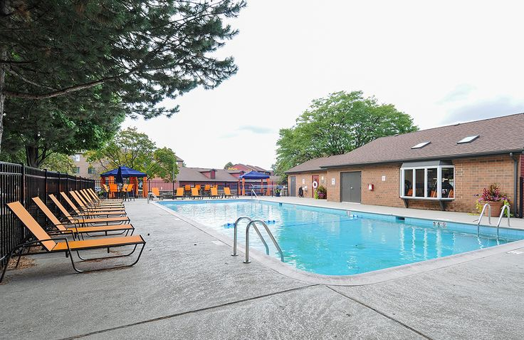 Take a dip in the pool at #Fifteen98Naperville to cool off! Learn more about our apartment #amenities.