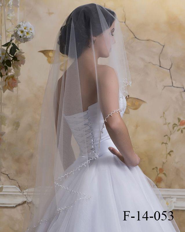 Фата: F-14-053 - http://vbelom.ru/catalog/fata-f-14-053/ Очень нежная свадебная фата, расшитая узорами.  Однослойная свадебная фата из тончайшей материи. Кайма декорирована вышивкой и стразами. Несомненно, добавит нежности Вашему праздничному образу!