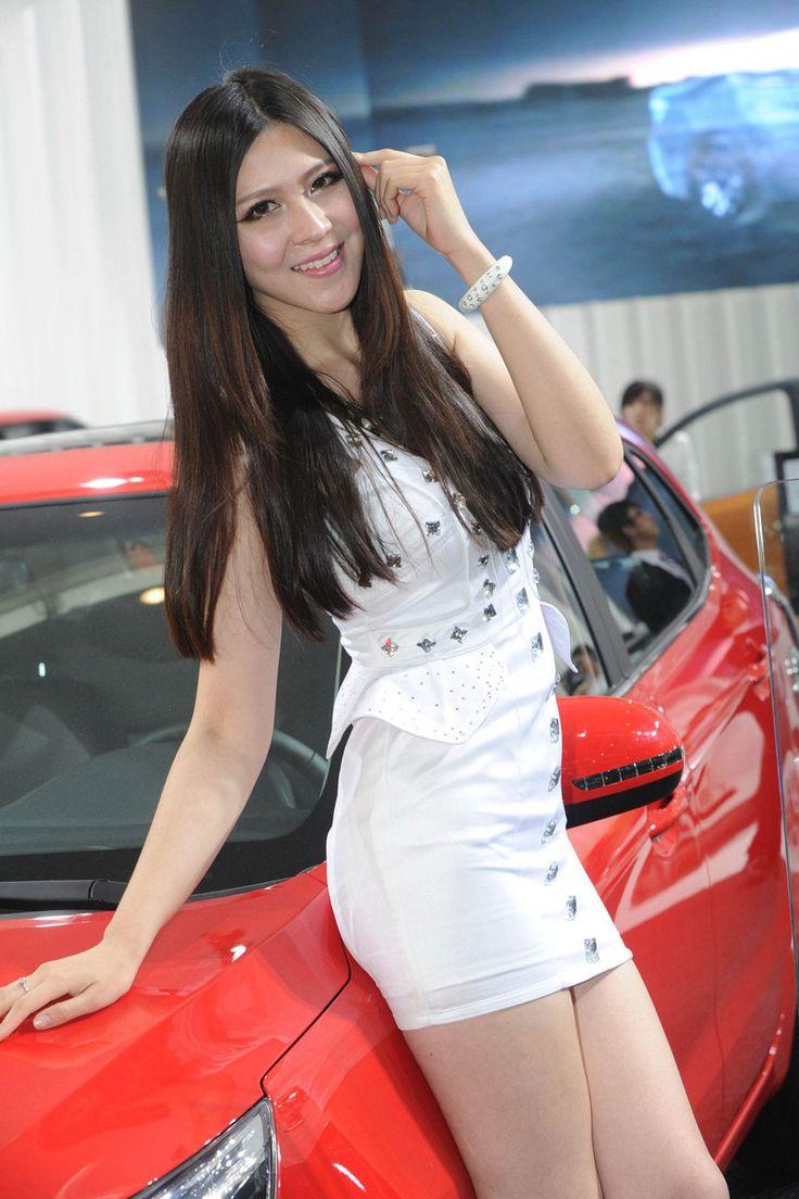 Meet the ladies of 2012 beijing motor show 2012 beijing motor show booth girls 20