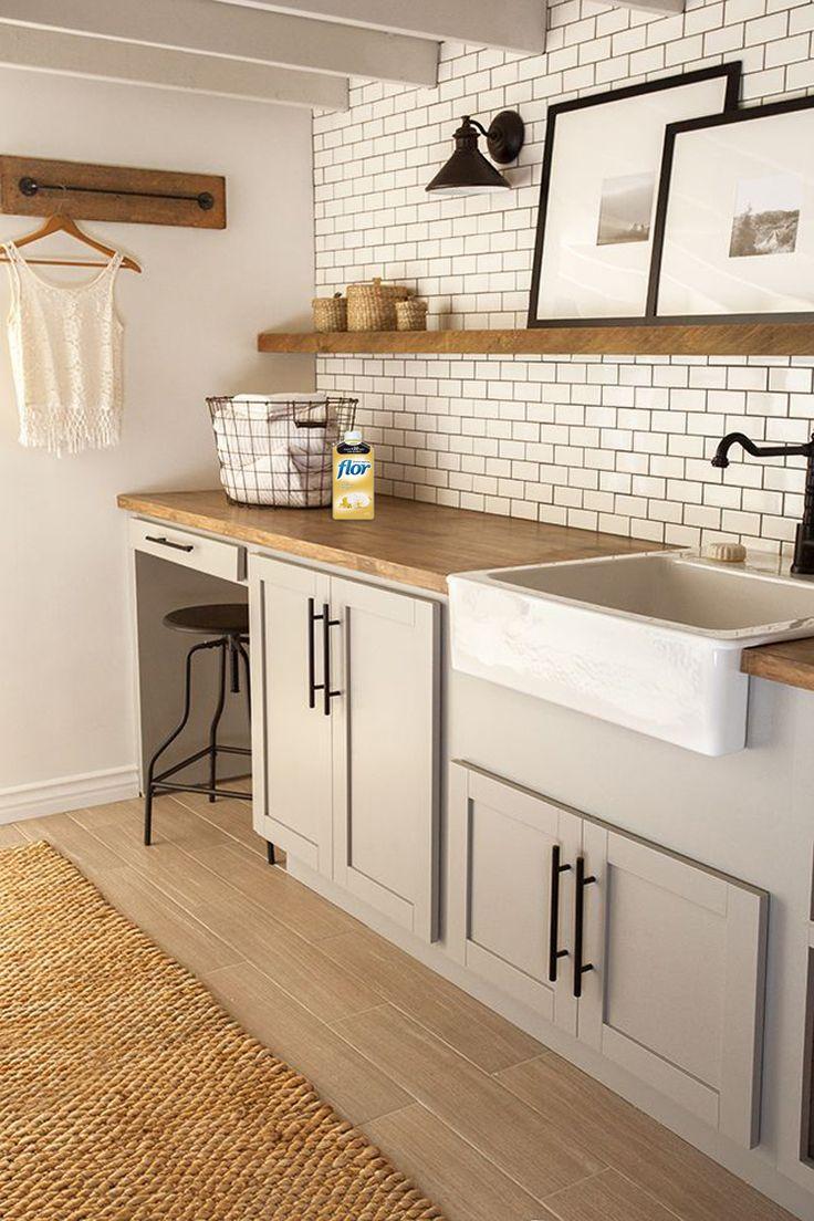 Mitte jahrhundert badezimmer design  best charming suburban new construction home images on pinterest