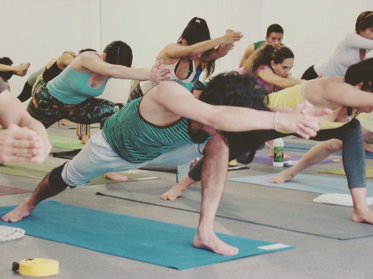 Un día de entrenamiento #asana #yoga #yogaworld #training #broga