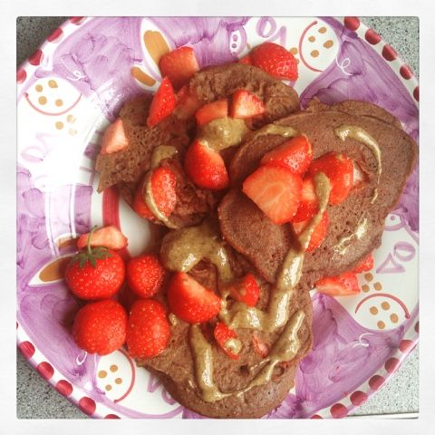 Foodolina: Cacao Strawberry Pancakes