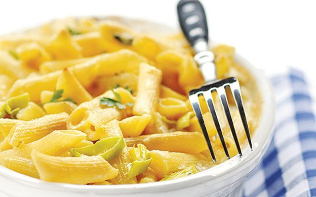 Gyors vacsora: kék sajtos tésztasült póréhagymával http://www.nlcafe.hu/gasztro/20150223/gyors-vacsora-recept-kek-sajtos-tesztasult-porehagymaval/
