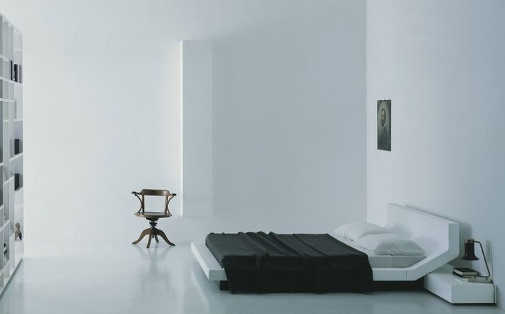 Double bed with extreme visual uniformity    featured by www.minimalistspace.com