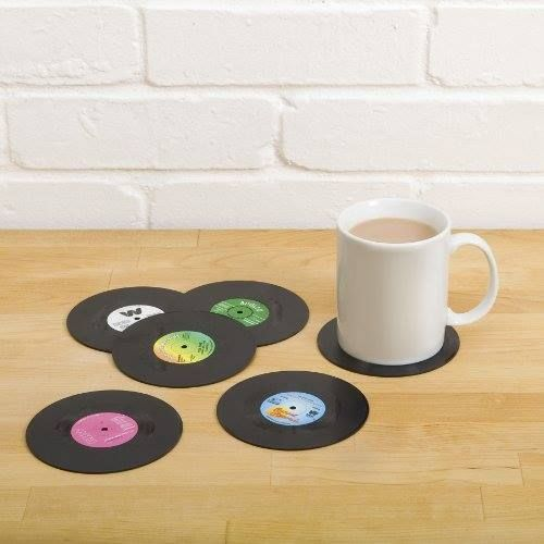 Posavasos discos de vinilo http://www.milideaspararegalar.es/producto/posavasos-discos-de-vinilo/