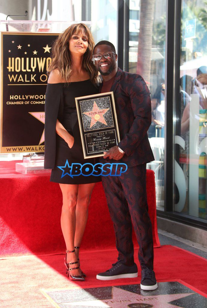 """Kevin Hart Honored With Star On Hollywood Walk Of Fame Kevin Hart has a lot to celebrate these days. With a comedy concert movie dropping on Friday, having recently wed his """"rib""""…"""