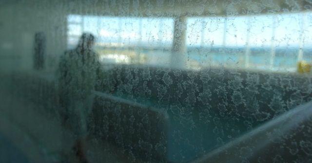 浴室の鏡などに白いウロコがついて鏡が見えにくくなることって