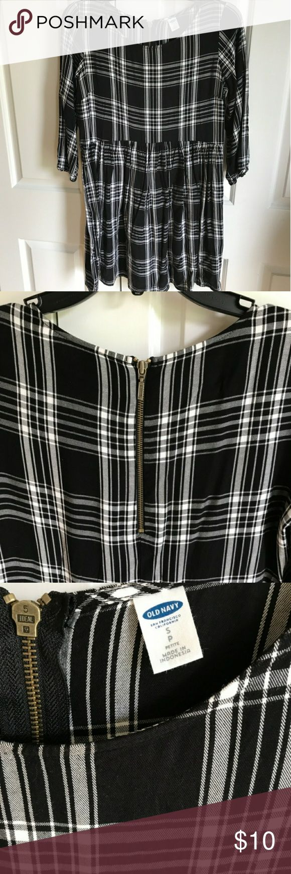 Old Navy Plaid Petite Dress Old Navy Plaid black and white shirt dress. Super cute with zipper in the back. Quarter sleeve. Size small petite. Really cute with leggings. Worn only once. In excellent condition! Old Navy Dresses