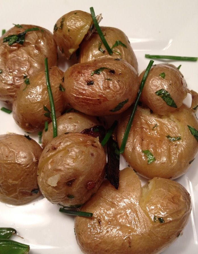 roasted new potatoes with garlic & chives
