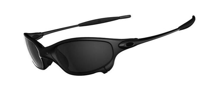 Солнцезащитные очки. Обязательны при работе с парусами, в остальных случаях - по желанию