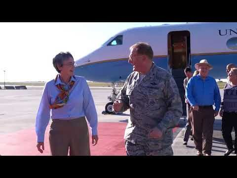 Defense Flash News : Secretary of the Air Force Heather Wilson visits Andersen Air Force Base ANDERSEN AFB, GU, GUAM, 01.24.2018 Video by Airman Audra Young 36 Wing/Public Affairs Secretary of the Air Force Heather Wilson arrives for a refueling stop Jan. 25, 2018, at Andersen Air Force Base,...