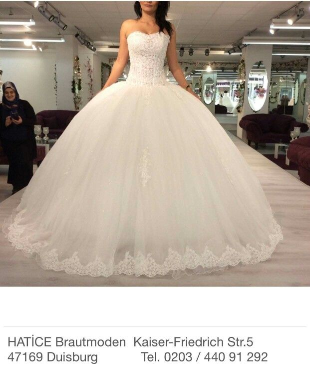 Puffy wedding dress ball gown