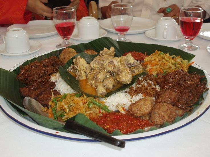 Nasi Ambeng - Javanese Food