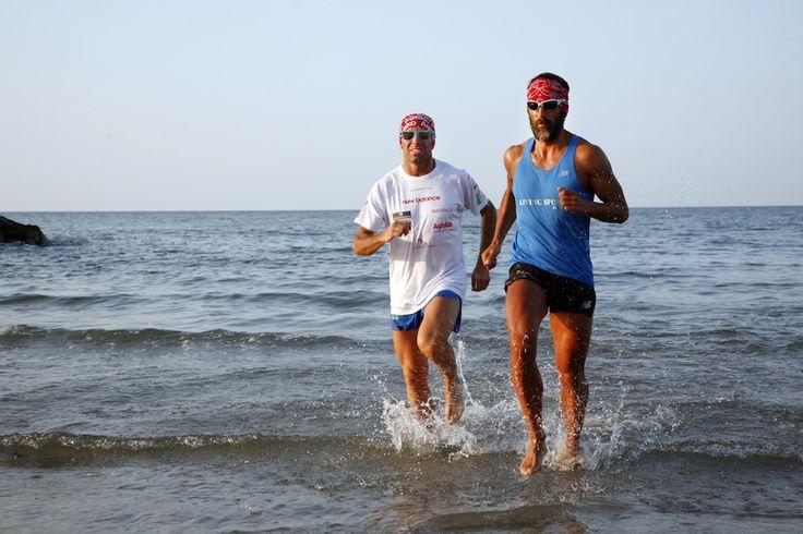 Buone vacanze con i campioni di Ultra Trail Stefano Gregoretti e Davide Ugolini che si allenano sulla spiaggia di Rimini. Qui la loro storia tutta da leggere: http://www.inmagazine.it/magazine/rimini-in-magazine-032013/