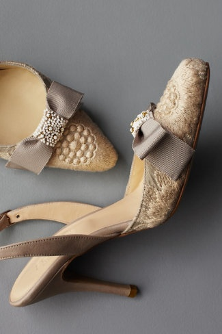 beaded brocade slingbacks: Pumps Heels, Wedding Shoes, Woman Shoes, Lace High Heels, Dinners Dresses, Beautiful Shoes, Vintage Shoes, Victorian Era, Bridal Shoes