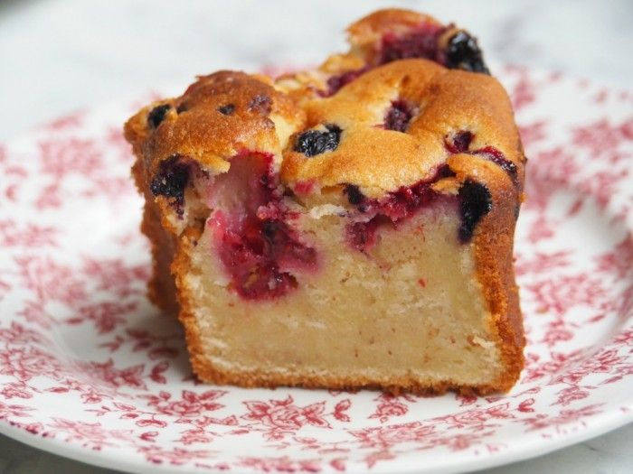 Thermomix Mixed Berry Yoghurt Cake