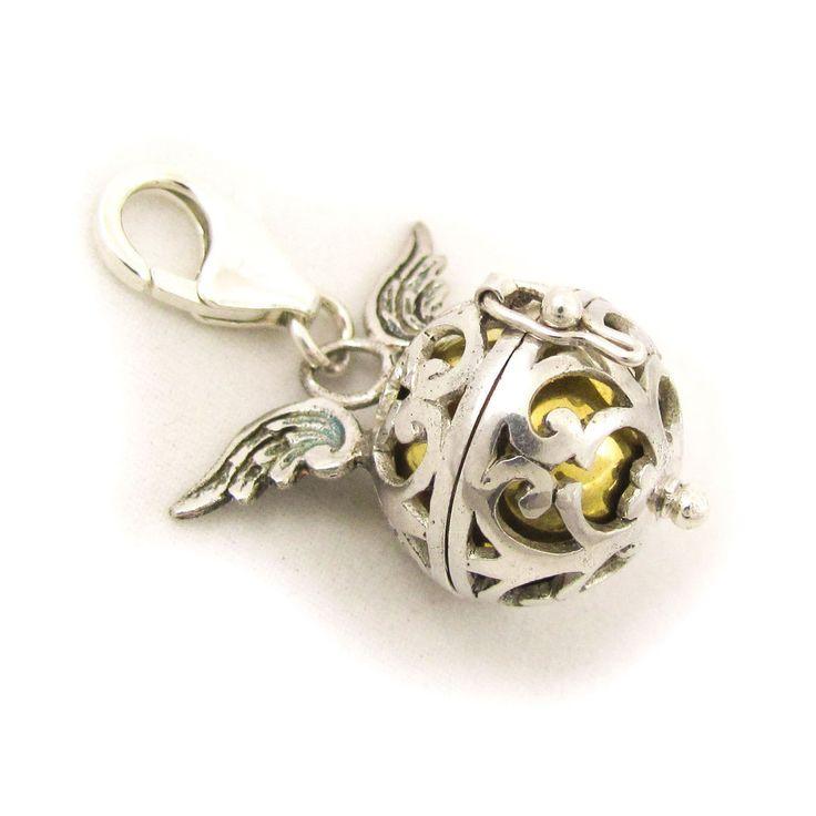 HEUTE im Adventskalender Angebot von www.samakishop.com der samaki originals Flügel Charm ab 79,85 Euro statt regulären 99,85 Euro  in 6 Farben  hier gehts zum Adventskalender: http://www.samakishop.com/epages/61220405.sf/de_DE/?ObjectPath=/Shops/61220405/Categories/Adventskalender  #samakioriginals #angebot #weihnachten #charm #bead #beads #engelsrufer #engelrufer #klangkugel #angebot