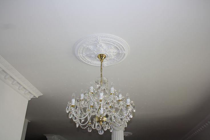 www.dekoracniprvky.cz  ozdobné lišty na strop, stropní rozety, apod.