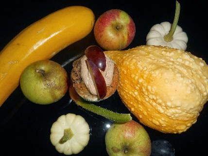 Zucchini-Apfel-Johanisbeer-Cupcakes mit Zwetschgen-Frischkäse-Topping