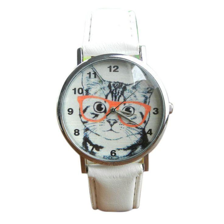 La montre chat est la tendance 2016. Superbe montre, unique en son genre. Mouvement à trois aiguilles.  Un jolie montre qui sublimera vos poignets en un clin d'oeil!!!  La montre parfaite à porter tous les jours!!!  Diamètre: 3.6cm    Emballage cadeau offert!