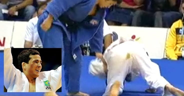 """Felipe Kitadai """"borra"""" o kimono durante semifinal de judô no Pan de Guadalajara"""