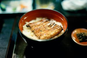 Easy Japanese Broiled Unagi Eel With Rice Recipe