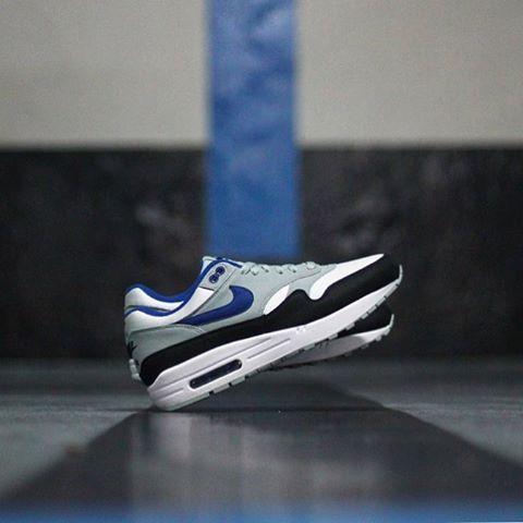 nike air max 1 blanc gum blue &