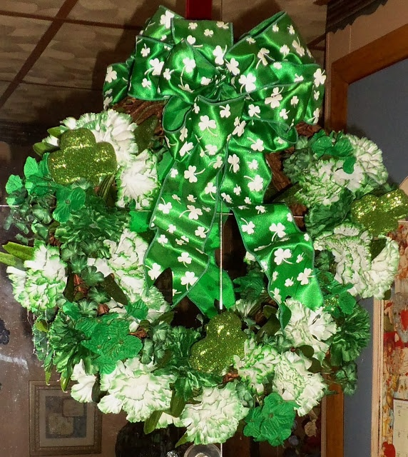 Pin by debbie dabble on st patrick 39 s day decorations 2013 for Decoration saint patrick