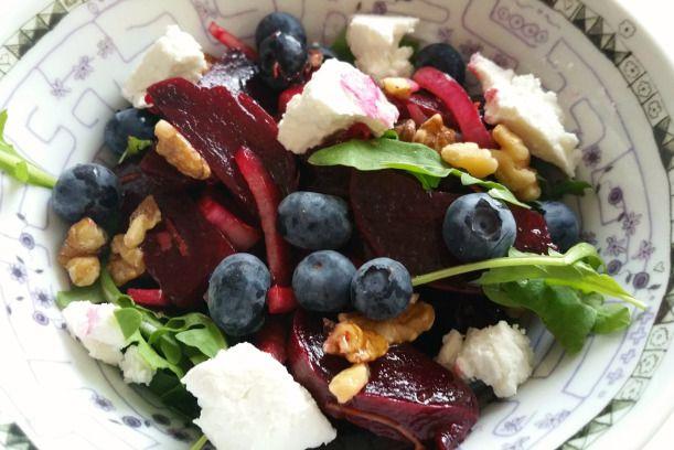 Bietensalade met blauwe bessen – Vegetarisch eten is een feest!